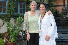 Ina Colada alias Inga Riegel mit der Christine Törber, der Chefin der Weinscheune 2014